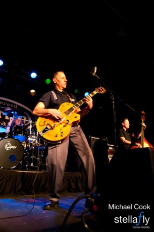 Reverend Horton Heat Plays The Intersection